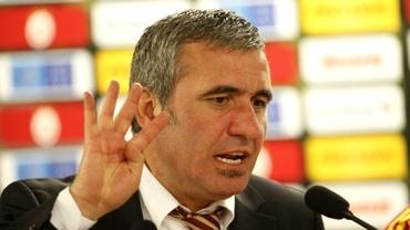 """Hagi, umilit de armeni: """"Nu-şi va îndeplini visul să devină selecţionerul nostru"""""""
