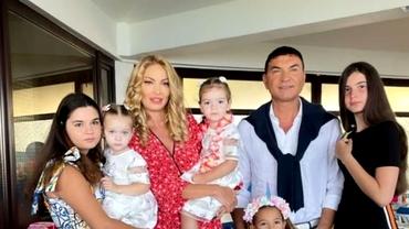 Vacanță cu fetele sale pentru Cristi Borcea! Valentina Pelinel, mândră de soțul ei