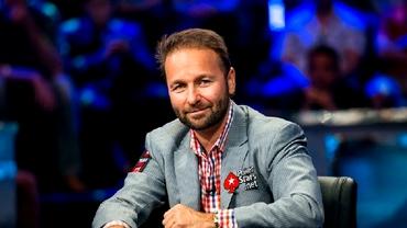 Daniel Negreanu te învaţă cum să joci poker!