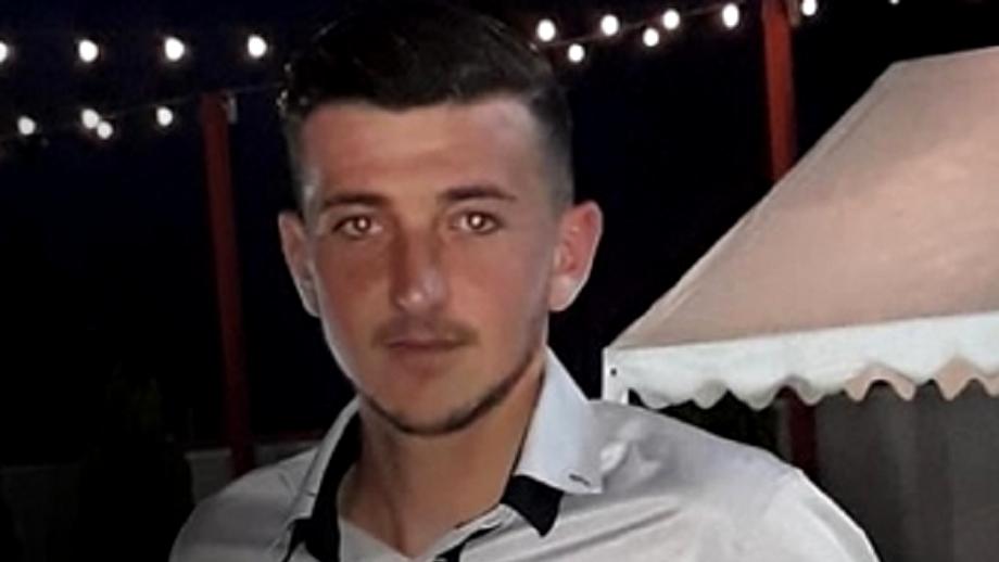 Un băiat de 24 de ani din Buzău, omorât de copacul pe care tocmai îl tăiase