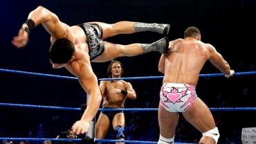 Un internaţional german devine wrestler profesionist!