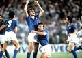 Paolo Rossi, eroul Italiei la CM 1982, răsplătit cu 20.000 de… sticle cu vin! Video de colecție
