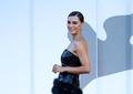 Mădălina Ghenea și Catrinel Menghia au făcut senzație la Festivalul de Film de la Veneția! Ce rochii au purtat