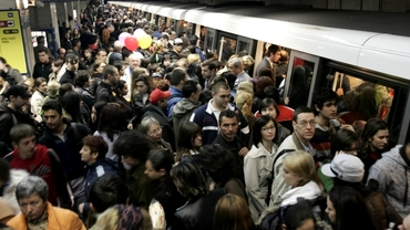 Incidente la metrou! Circulaţia îngreunată pe tronsonul Eroilor - Anghel Saligny. Reacția Metrorex