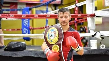 Ionuț Băluță, românul-supercocoș care se bate la Londra cu numărul 1 WBO pentru a deveni challenger la titlul mondial. Interviu exclusiv