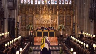 Cum a apărut Regina Elisabeta la înmormântarea soțului ei. Imaginea este de-a dreptul cutremurătoare