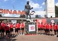 Imagini emoționante de la stadionul Dinamo. Statuia lui Ivan Patzaichin a devenit loc de pelerinaj. Foto + video exclusiv