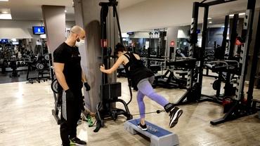 Ce reguli vor fi în sălile de fitness după redeschiderea de pe 15 iunie. Masca trebuie purtată în interior, iar accesul se face doar cu programare