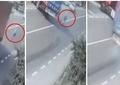 Șoferul din Buzău care a reușit să-i salveze viața unei bătrâne ce i-a sărit în față, premiat de polițiști