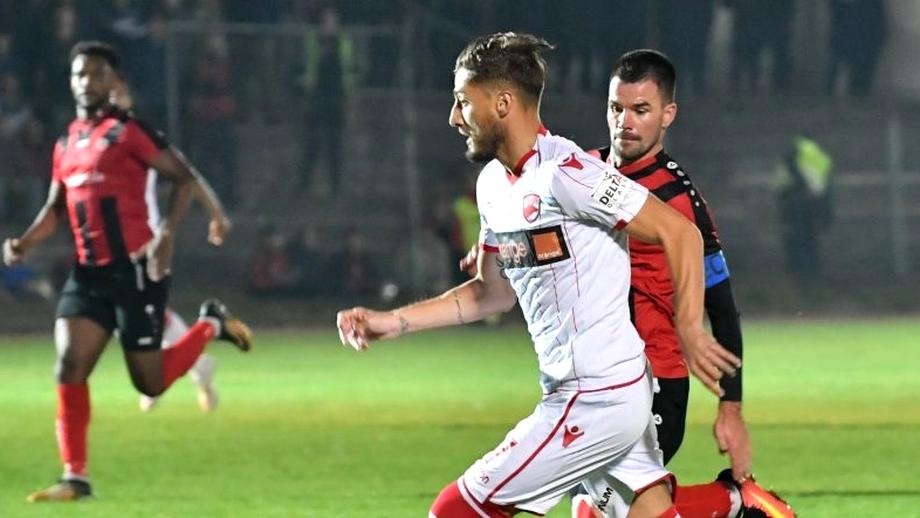 Gicu Grozav și-a bătut joc de un penalty! A încercat o scăriță, dar a tras lamentabil. Video