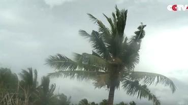 TAIFUN în Filipine. Peste 700.000 de persoane au fost evacuate