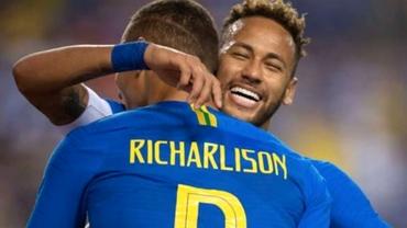 Neymar i-a arătat numărul de telefon pe net, fanii l-au bombardat cu 10.000 de mesaje