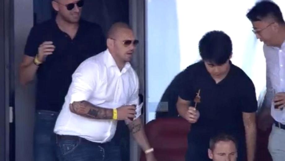 Transformare șoc! Cum arată Wesley Sneijder la două săptămâni după retragerea din fotbal. VIDEO