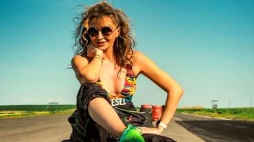 Crina Abrudan arată fabulos la 40 de ani! Fosta prezentatoare de la Antena 1 are un corp de invidiat