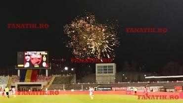 Dinamo, fără bani, fără suporteri pe stadion, dar cu artificii în derby-ul cu FCSB. Video
