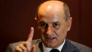 """Copos a mai umilit o glorie giuleşteană: """"Hai la noi, îţi dăm salariu de 100 de euro"""""""