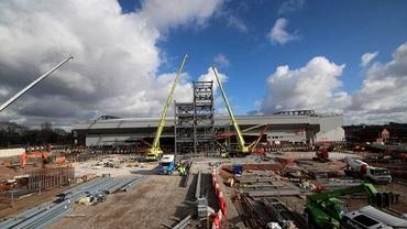 VIDEO / Stadionul Anfield e în plin proces de extindere! 250 de milioane pentru 8500 de locuri în plus