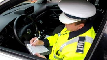 Atenţie, şoferi! Poliţia te amendează dacă filmezi incidentele din trafic