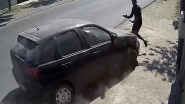 Video şocant. Răzbunare în stil mafiot în Brăila: fratele unui tânăr bătut a dat cu mașina peste agresor