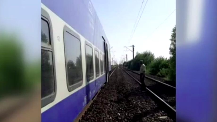 Probleme pe calea ferată. Trenurile de pe ruta Craiova – București, blocate în câmp două ore. Explicațiile CFR