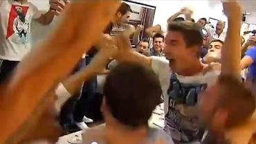 """VIDEO-FABULOS / Au dansat pe mese, s-au udat cu şampanie. Real Madrid şi Barcelona sînt de """"vină"""""""