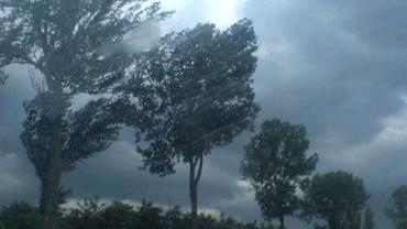 COD PORTOCALIU şi COD GALBEN de furtuni violente. Iată ce zone sunt vizate