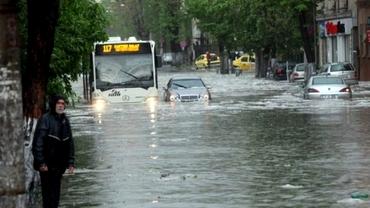 ANM a anunțat ce se întâmplă cu vremea în zilele următoare! Când trec ploile și vijeliile