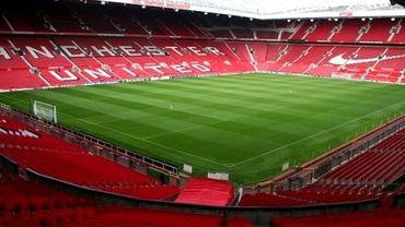 Manchester United și-a stropit gazonul cu spray de usturoi înaintea meciului cu Liverpool! Vezi de ce a procedat așa