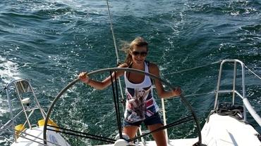 Cum arată Andreea, fiica necunoscută a lui Lucian Mândruță! S-a măritat cu un fost campion la yachting