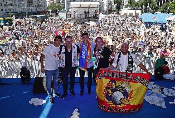 Foste glorii ale clubului Real Madrid, Raul, Predrag Mijatovic, Alvaro Arbeloa, Michel Salgado și Roberto Carlos, au mers în fan zone-ul de la Kiev