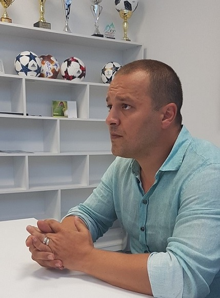 Vasi Geambazi a dezvăluit în primul interviu, în exclusivitate pentru FANATIK.RO, cât de mult se implică în activitatea de promovare a copiilor de la Academia FCSB-ului în prima echipa a clubului