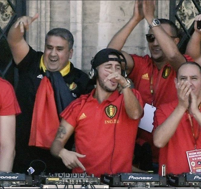 Eden Hazard, DJ pentru o zi. Starul lui Chelsea a cântat şi a făcut atmosferă