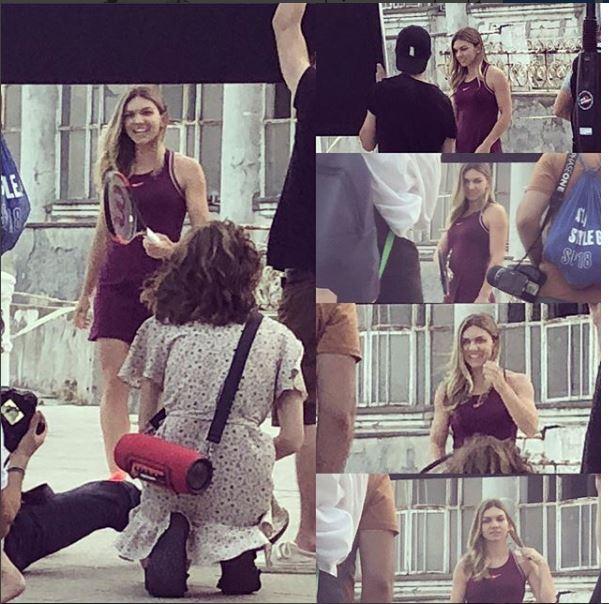 Simona Halep, şedinţă foto la Constanţa. Românca a pozat în echipament de tenis şângă Cazinoul din Constanţa