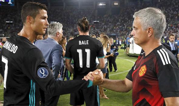 Când s-a decis CR7 să se transfere la Juventus. În Champions League Ronaldo va da de fosta lui echipă Manchester United şi de Jose Mourinho, care i-a fost antrenor la Real Madrid (foto)
