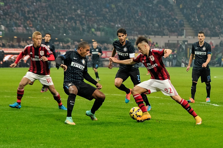 Inter - AC Milan live în Serie A. Inter e pe locul 3, cu 16 puncte. AC Milan pe locul 10, cu 12 puncte