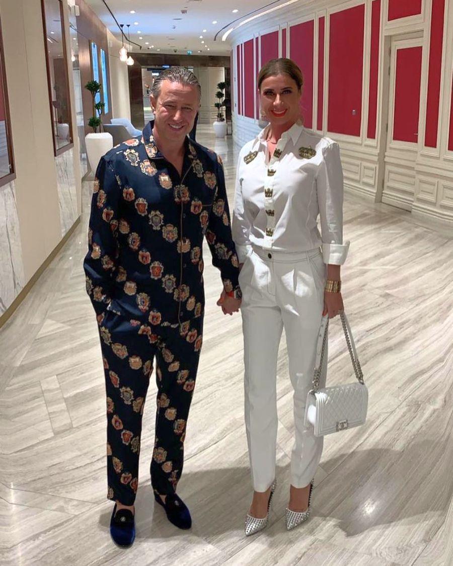 """Ilie Dumitrescu râde de """"costumul - pijama"""" îmbrăcat de Laurențiu Reghecampf! Reghecampf"""