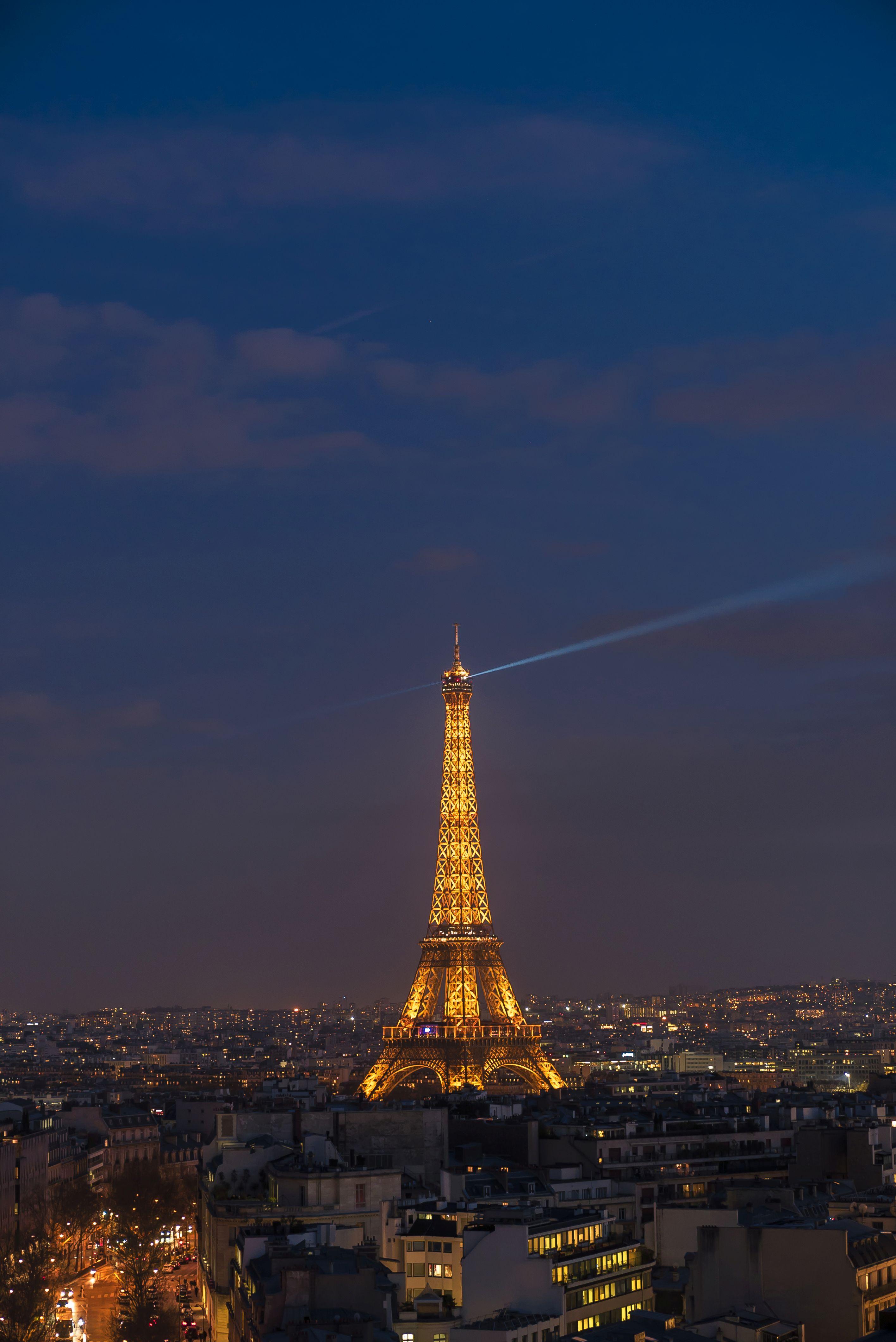Turnul Eiffel atrage anual milioane de vizitatori din întreaga lume. Sursa foto:hepta.ro