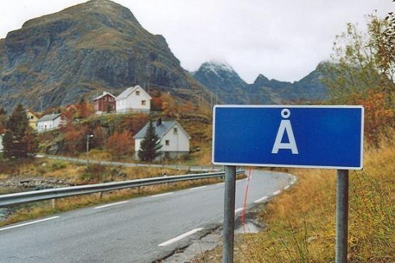 """""""Å"""". Adică """"râu"""". Adică numele a 7 așezări din Danemarca, Norvegia și Suedia. Tot o literă are și numele unui sat francez: """"Y"""". Sursa foto: ihabar.net"""
