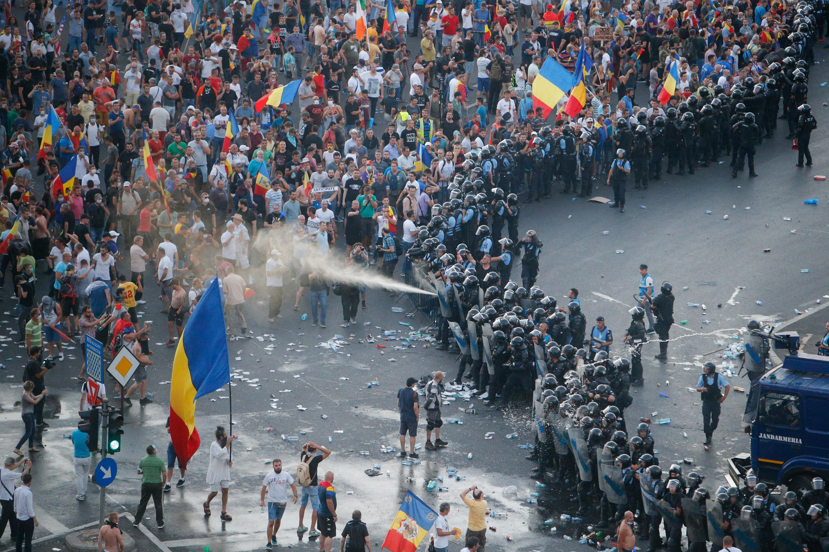 Un nou protest în Piața Victoriei pe 10 august *foto: Inquam Photos
