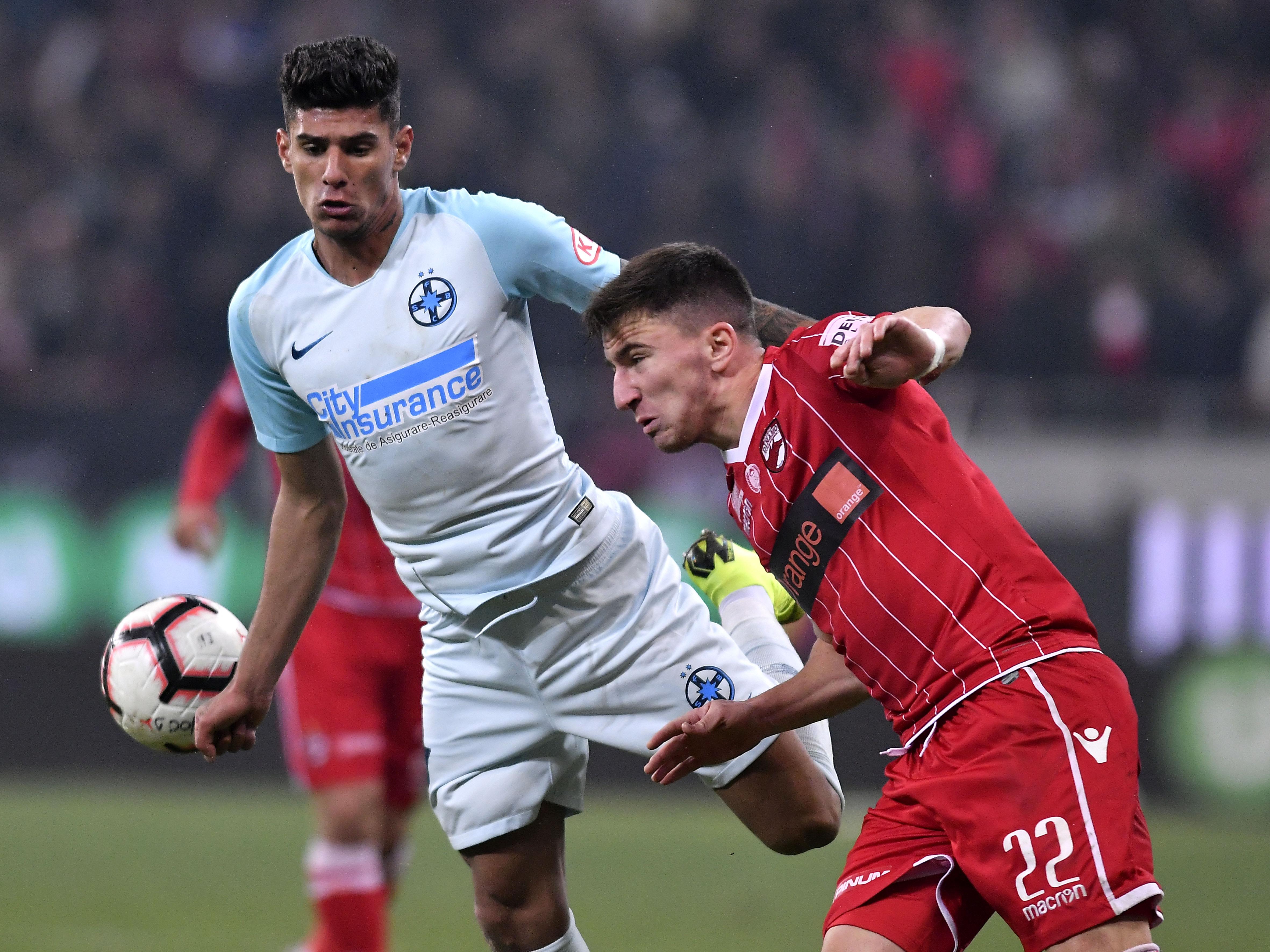Florinel Coman vs. Deian Sorescu. Sursă foto: sportpictures.eu