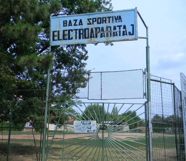 Ce se întâmplă cu spațiile verzi ale bazelor sportive din București