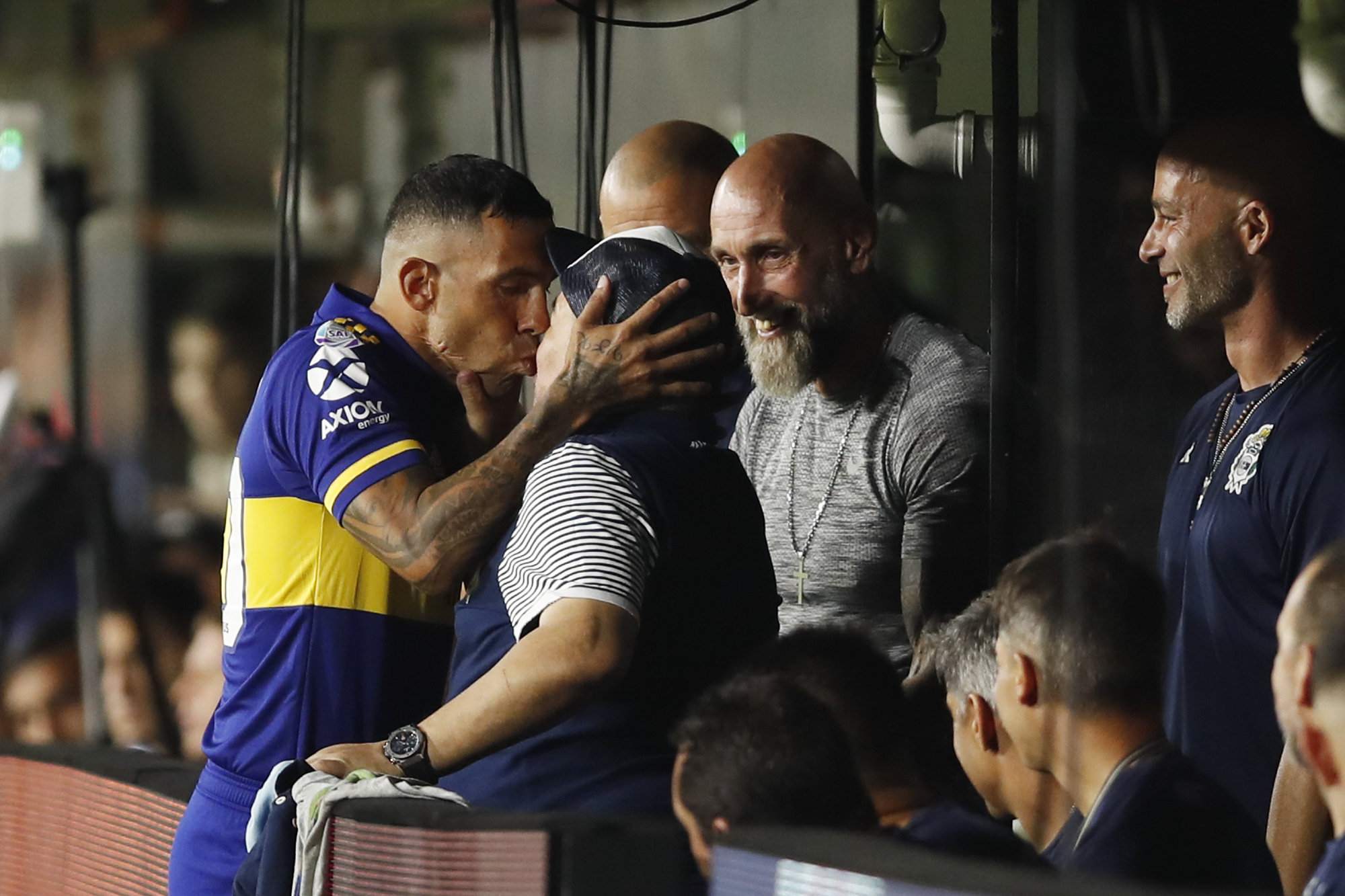 Carlos Tevez și Diego Maradona. Sursă foto: twitter