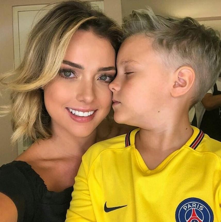 Carolina Nogueira Dantas și Davi Lucca da Silva Santos, fiul lui Neymar