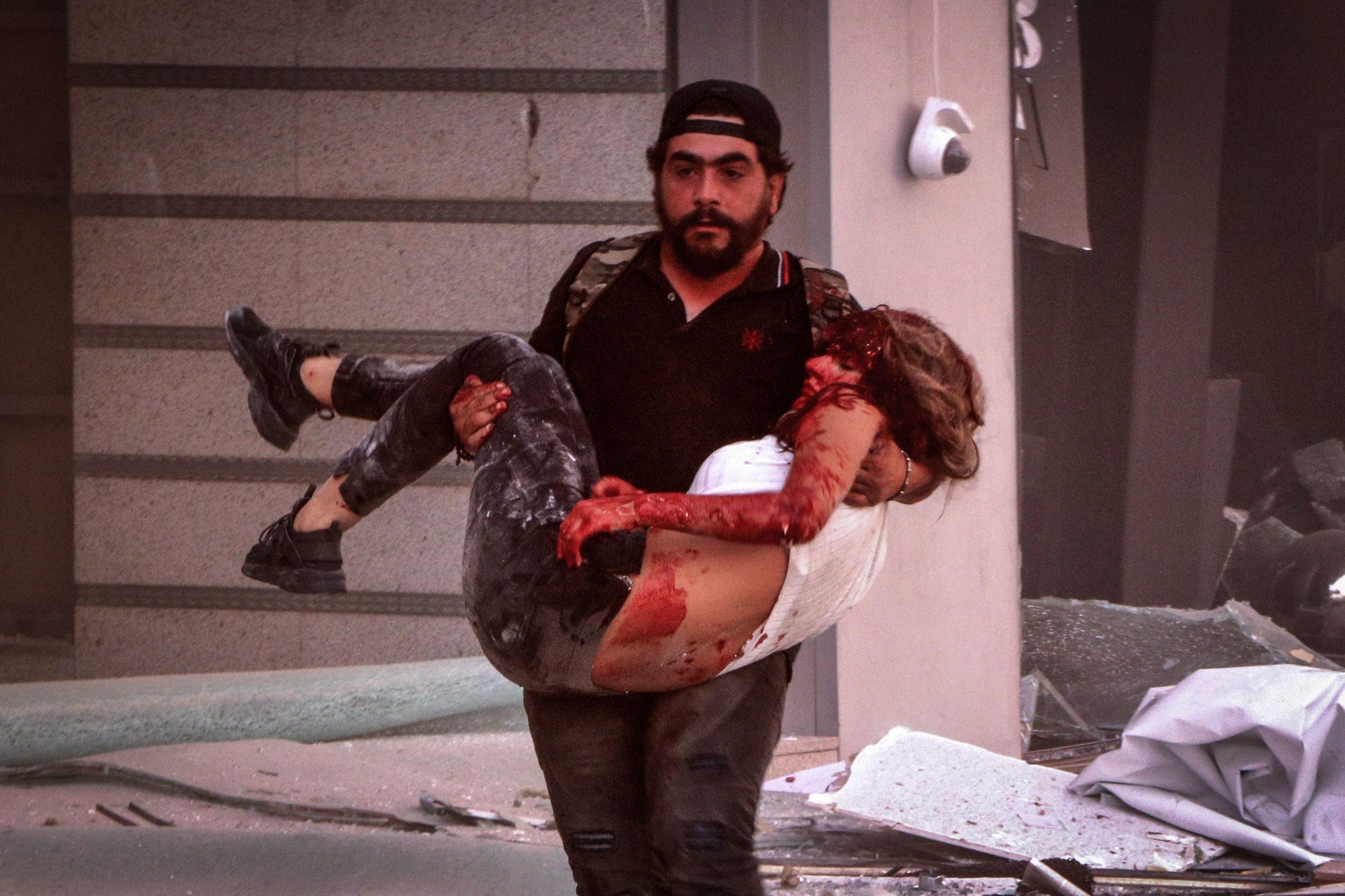 Victimă transportată la spital în Beirut