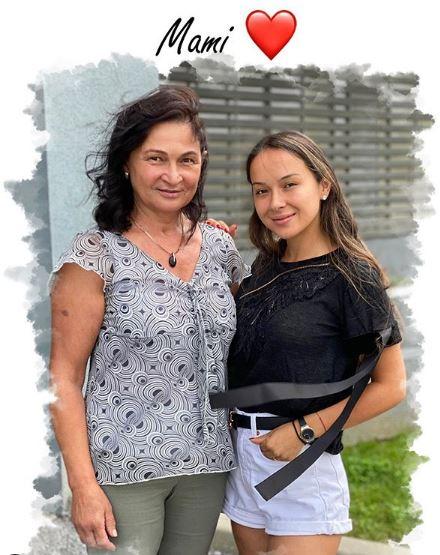 Vladuta Luăău și mama ei