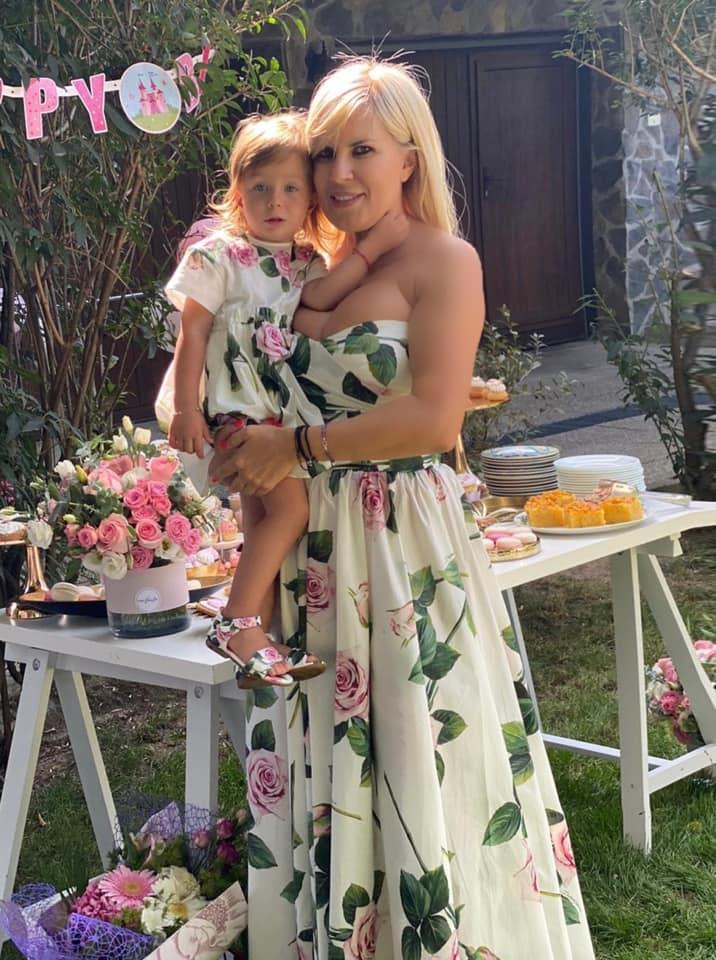 Elena Udrea și fiica sa, Eva Maria