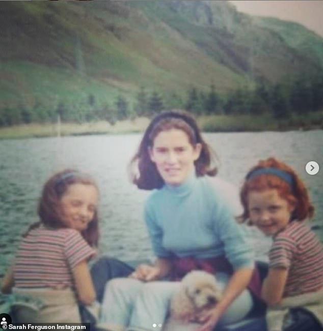 Sarah Ferguson alături de sora și mama sa, Susan