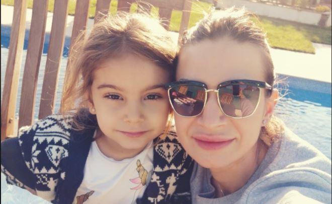 Sonia Bodi, sora afaceristului Alex Bodi, împreună cu fiica sa