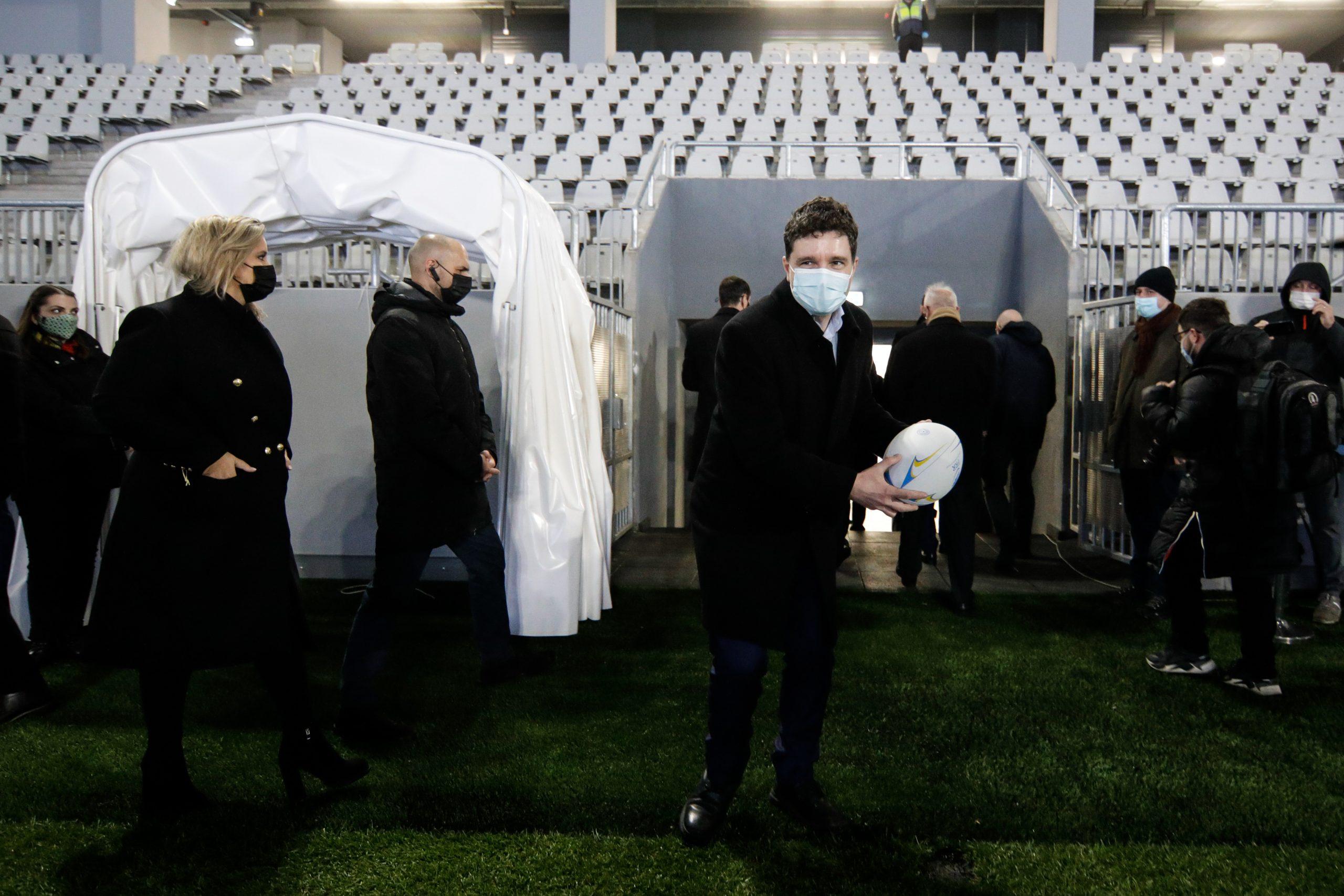 Nicusor Dan primar Bucuresti inaugurare stadion Triumf minge masca covid INQUAM George Calin