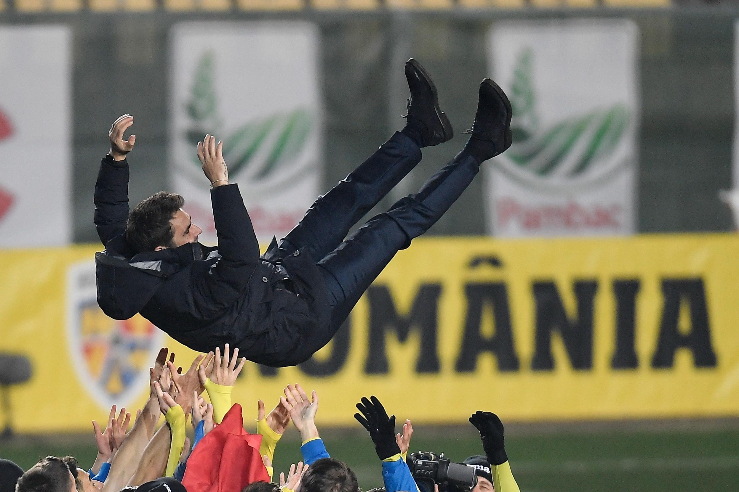 Romania bucurie calificare EURO U21 Adrian Mutu jucatori INQUAM Alex Nicodim (1)